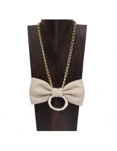 Lunetta's bow necklace